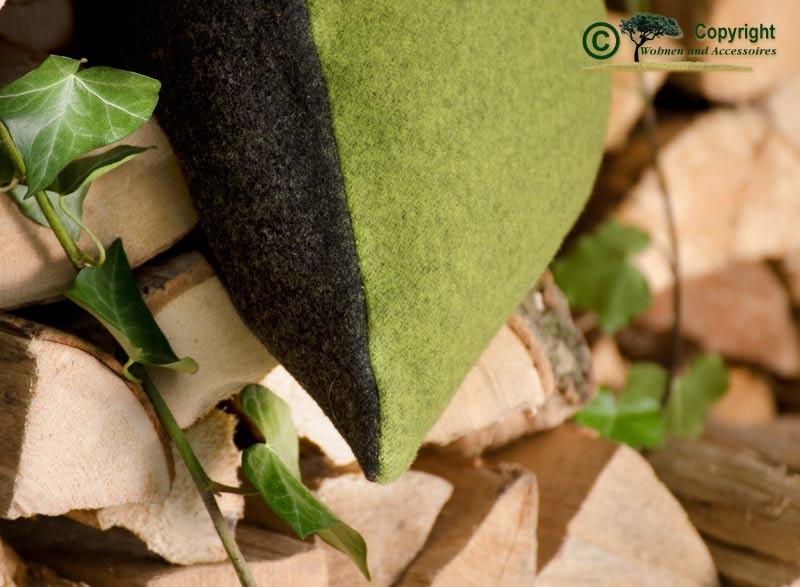 Doubleface Wollkissen Königssee in 45x45cm aus 100% Merinowolle grün-schwarz