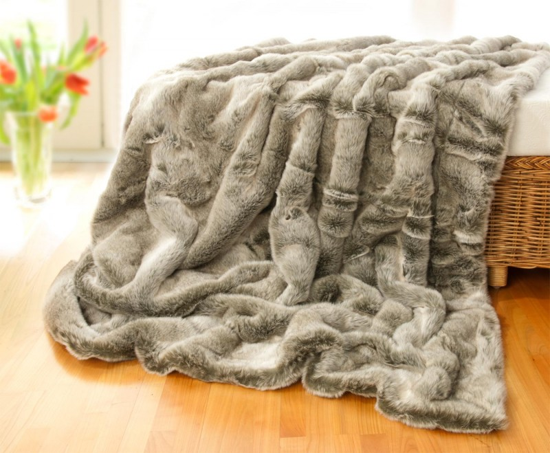 Felldecke (Webpelzdecke) Grauwolf grau-beige in XXL 260x300cm