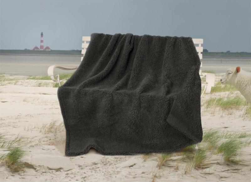 Dicke Doppel-Wolldecke aus deutscher, nordfriesischer Schafschurwolle in anthrazit 150x200cm