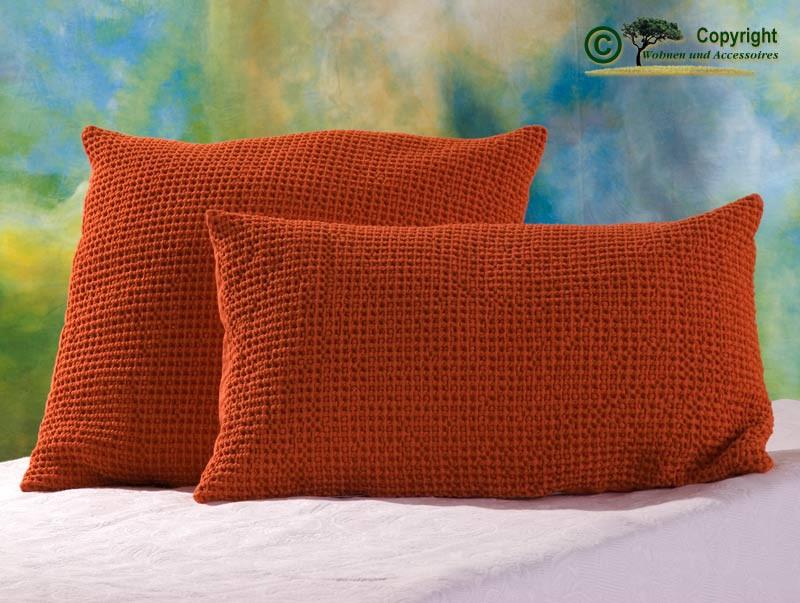 Hübsches Kissen Maia mit toller Struktur, 30x50cm in orange