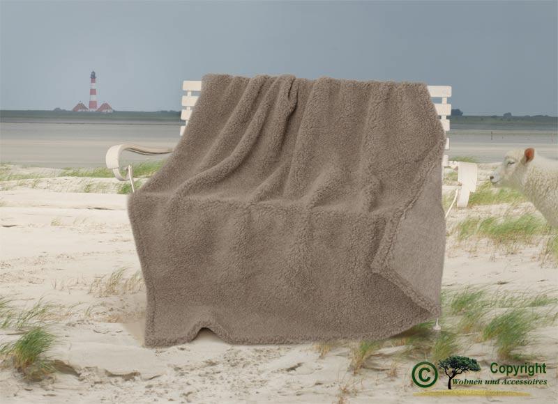 dicke wolldecke aus deutscher nordfriesischer. Black Bedroom Furniture Sets. Home Design Ideas