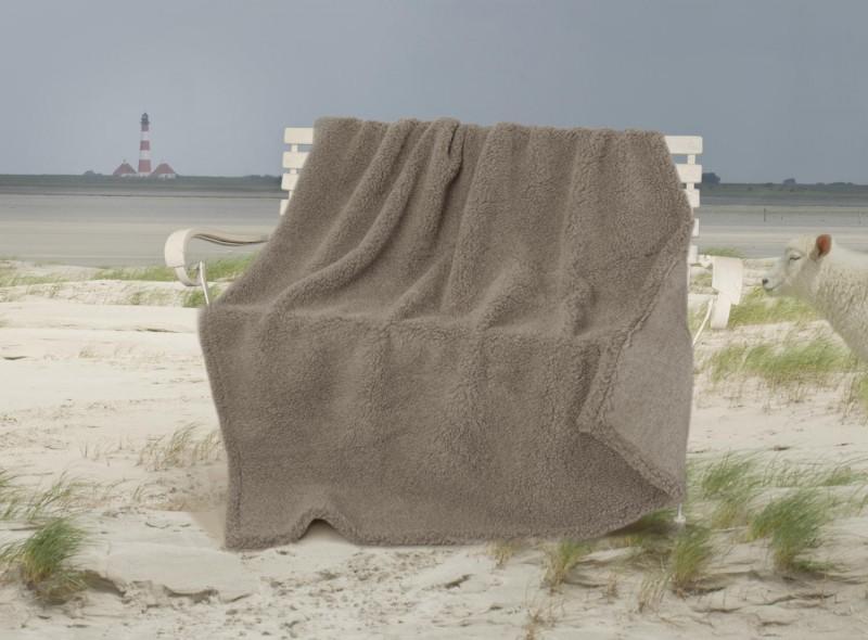 Dicke Wolldecke Nordsee aus Schurwolle von Schafen der Deich- und Küstenlandschaften in grau-braun