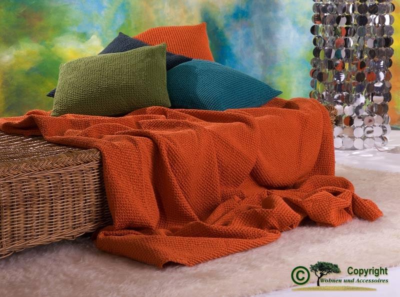 Hübsche französische Tagesdecke Maia mit toller Struktur orange 260x260