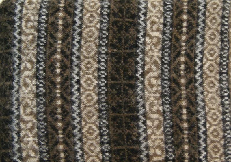 Isländische Wolldecke aus 100% isländischer Schurwolle braun 140x200cm