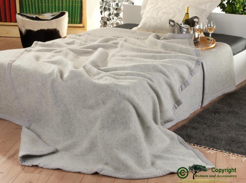Italienische Wolldecke, Tagesdecke aus 100% Neuseeland Lammwolle in 180x210cm grau-meliert