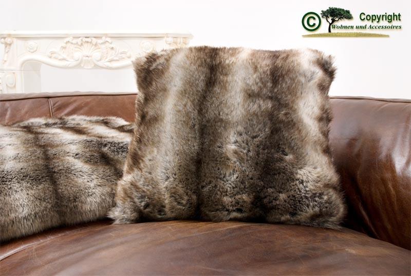 Fellkissen (Webpelzkissen) Wolf grau-braun in 45x45cm