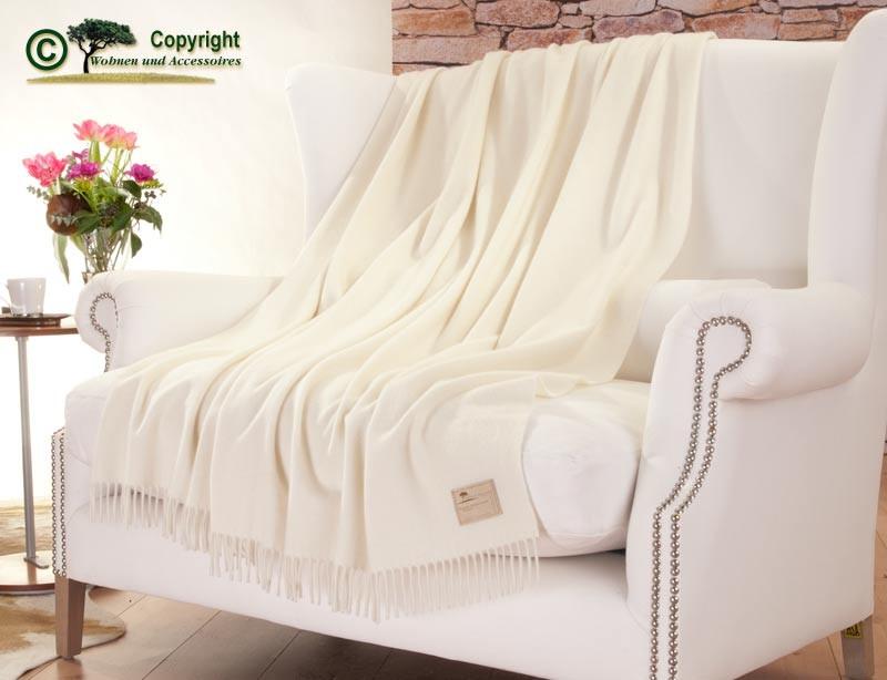 Wolldecke aus 50% Kaschmir und 50% Merinowolle in wollweiß 130x220cm