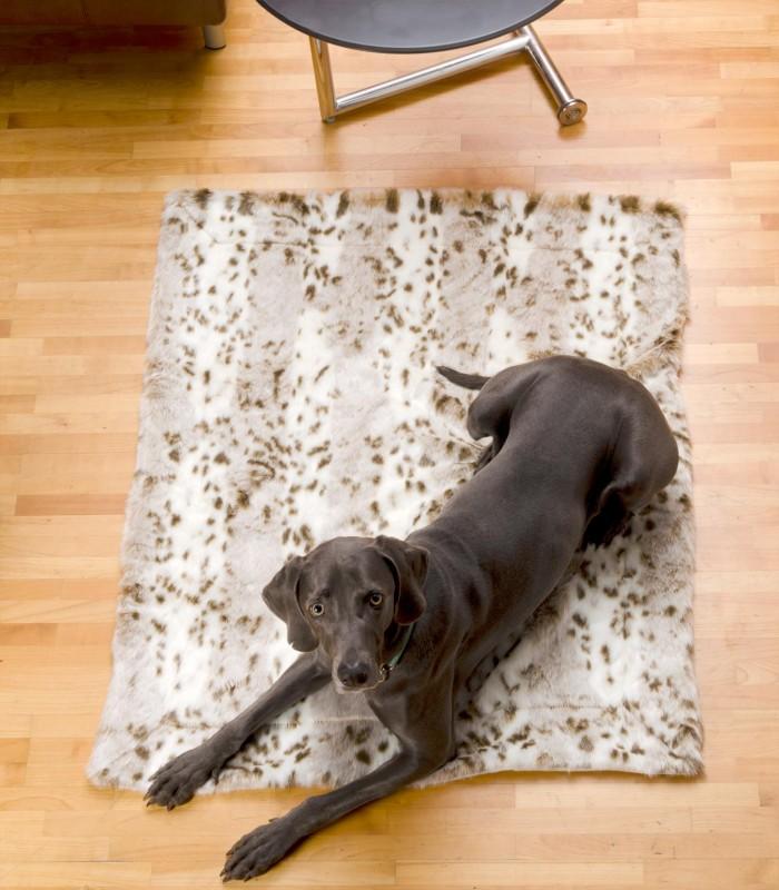 Felldecke aus Webpelz, Hundedecke Schneeleopard 120x150cm