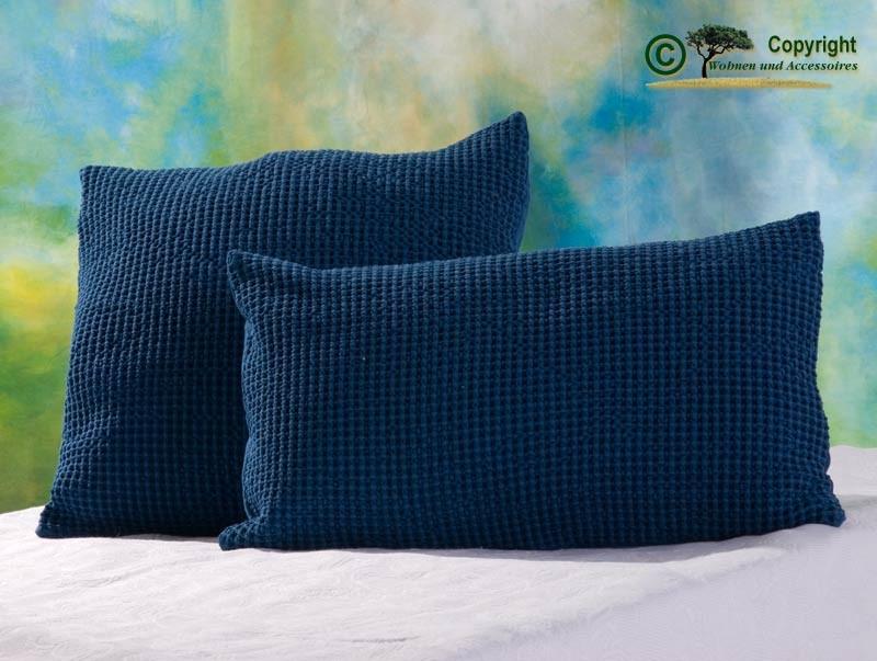 Hübsches Kissen Maia mit toller Struktur, 45x45cm in blau