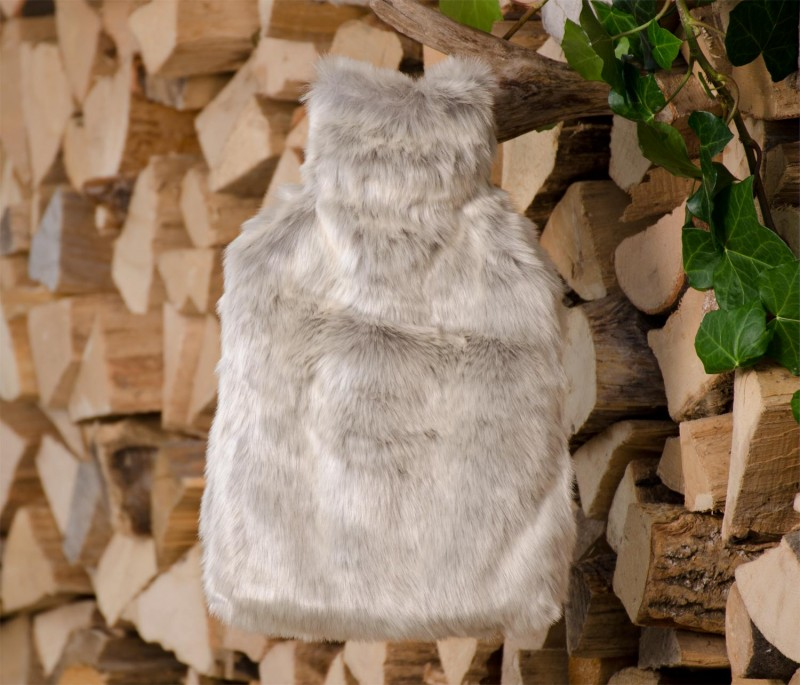 AKTION Wärmflaschenhülle aus Fell (Webpelz) Silberfuchs mit Naturgummi Wärmflasche