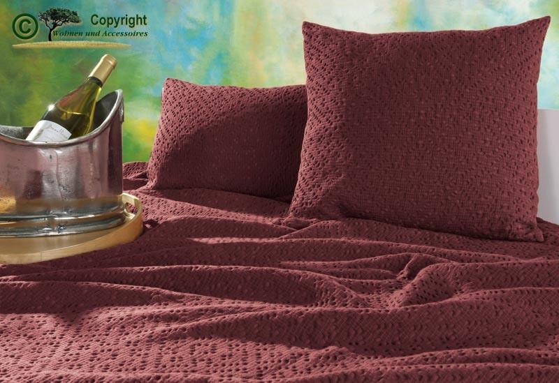 Kissen 45x45cm Adele mit Ajour Muster in rubinrot