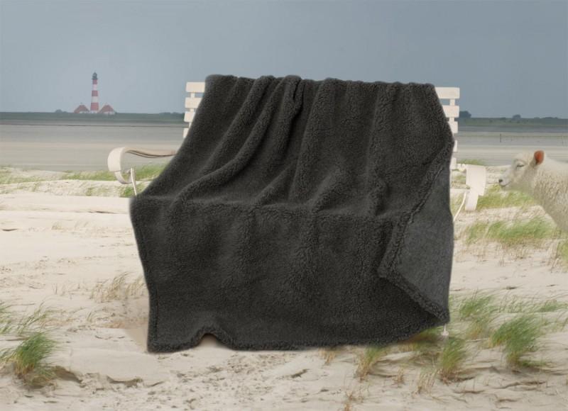 Dicke Wolldecke aus deutscher, friesischer Schafschurwolle anthrazit meliert 150x200cm
