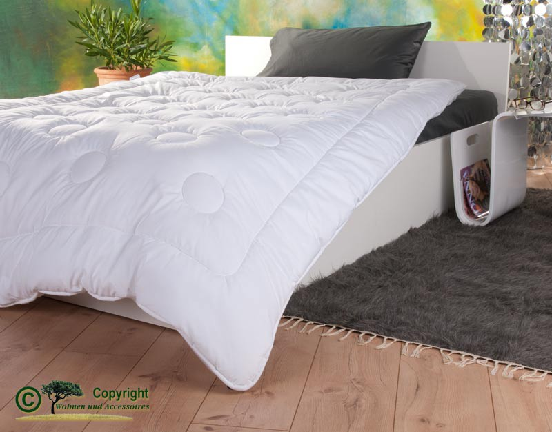 Duo-Stepp Bettdecke 155x220cm mit Füllung aus Kamelhaar und Satin-Gewebe mit Aloe Vera
