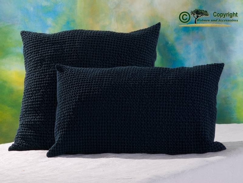 Hübsches Kissen Maia mit toller Struktur, 45x45cm in dunkelblau
