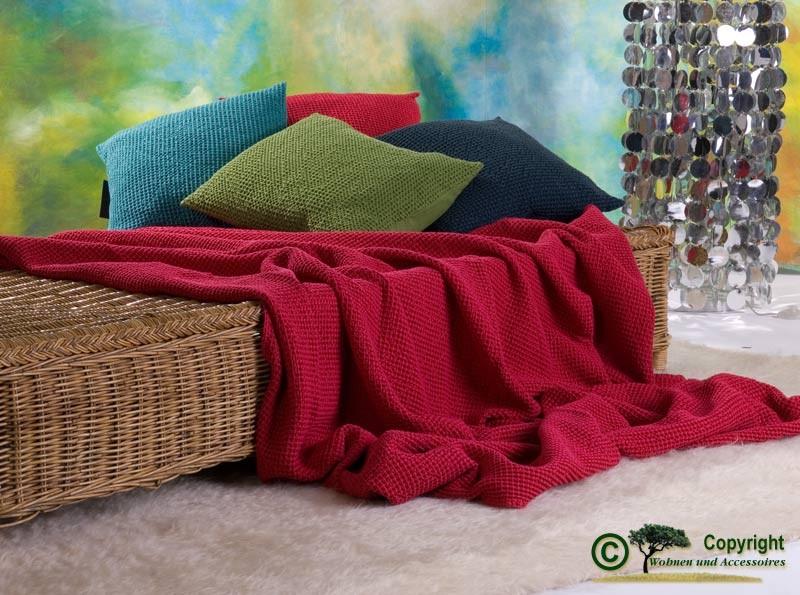 Hübsche französische Tagesdecke Maia mit toller Struktur fuchsien - rot 180x260
