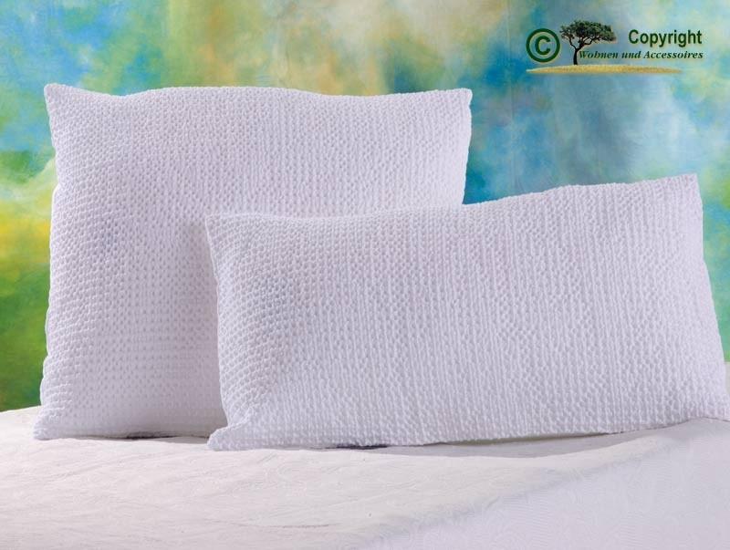 Hübsches Kissen Maia mit toller Struktur, 30x50cm in weiß