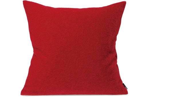 Kissen von Steiner Alina mit Füllung Kirsche/rot