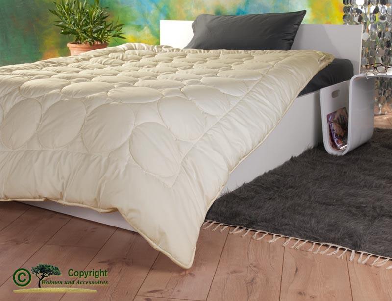 Duo-Stepp Bettdecke 200x200cm mit Füllung aus Kaschmir und Gewebe aus milbendichtem Baumwoll-Batist