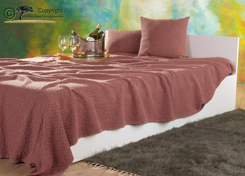 Tagesdecke Adele, hochwertiger französischer Überwurf mit Ajour Muster rosé 240x260cm