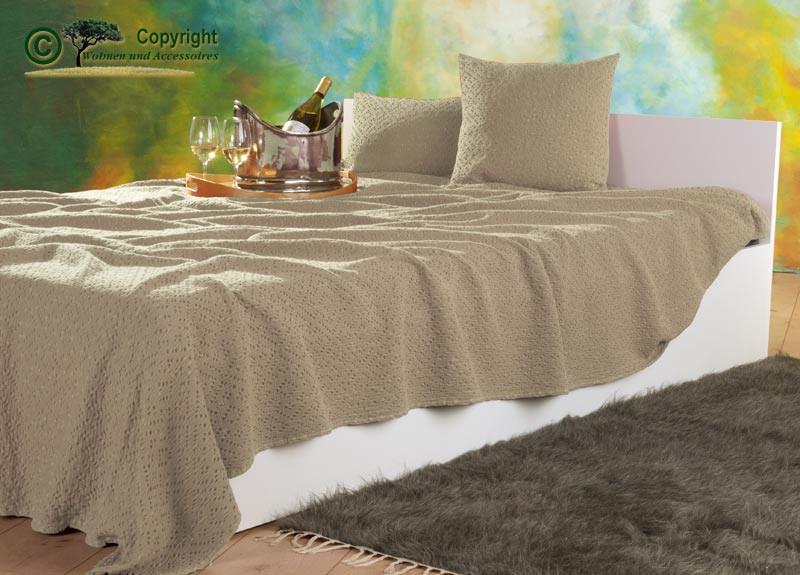tagesdecke adele hochwertiger franz sischer berwurf mit ajour muster beige 180x260cm. Black Bedroom Furniture Sets. Home Design Ideas