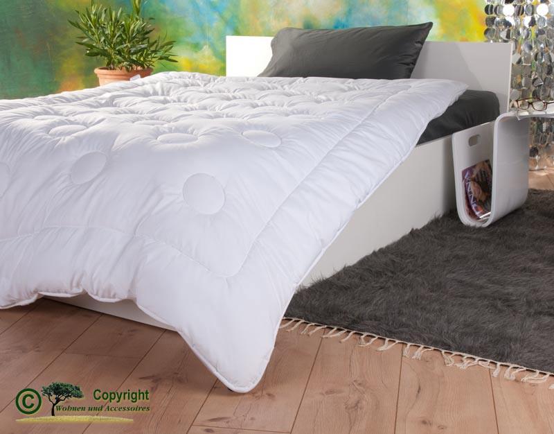 Duo-Stepp Bettdecke 200x200cm mit Füllung aus Kamelhaar und Satin-Gewebe mit Aloe Vera