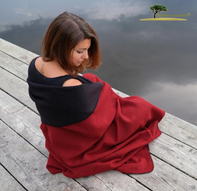 Feine Doubleface Wolldecke Königssee aus 100% Merinowolle rot/schwarz 150x220cm