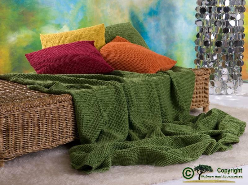 Hübsche französische Tagesdecke Maia mit toller Struktur bambus - grün 260x260