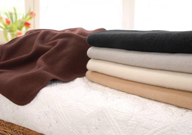 """Wolldecke """"Lana"""" von Steinbeck 100% superweiche Schurwolle schwarz, grau, creme, wollweiß, braun"""