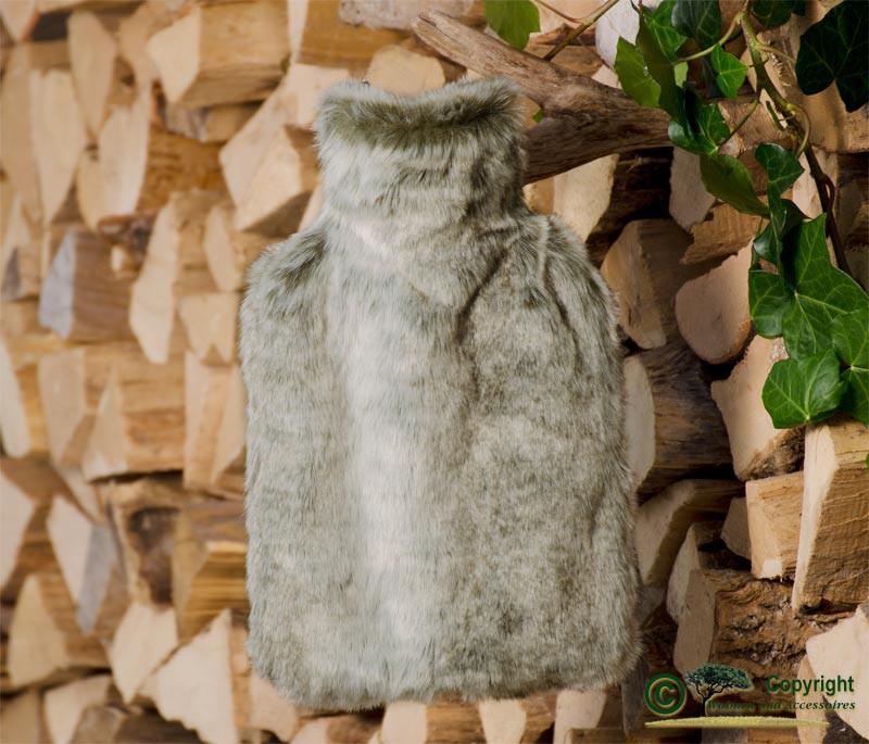 Fashy Wärmflasche mit Bezug aus Fell (Webpelz) Grauwolf grau-beige