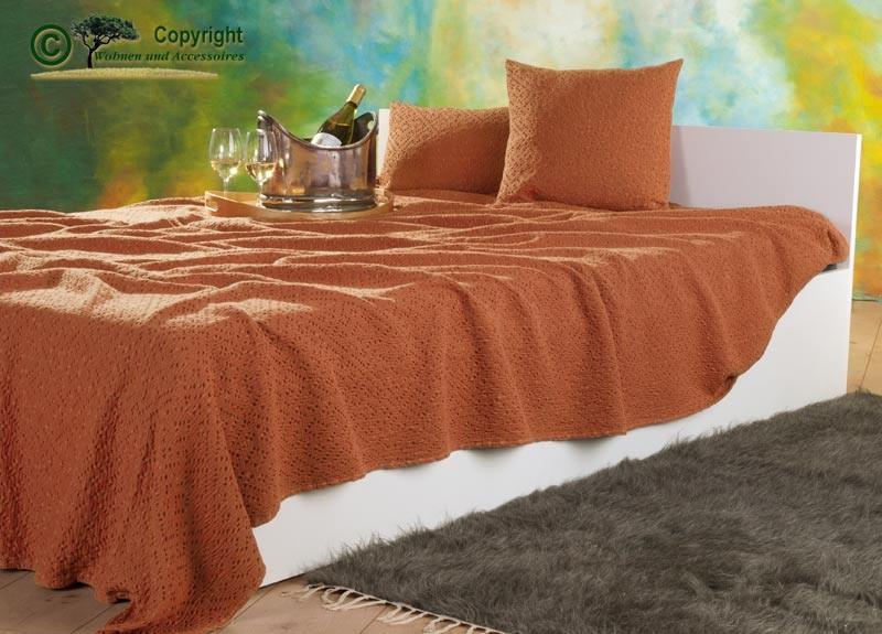 Tagesdecke Adele, hochwertiger französischer Überwurf mit Ajour Muster orange 260x260cm