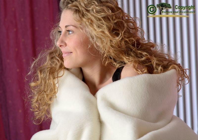 100% Merino-Lammwolle Wolldecke von Ritter in 150x200-220cm wollweiß - super weich und toll warm